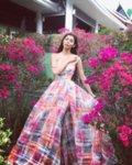 Мегз ЛИМИТИРАНА дълга рокля с цепка и принт цветя